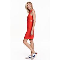 H&M Sukienka z wycięciami 0434808002 Czerwony