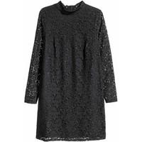 H&M H&M+ Koronkowa sukienka 0407110001 Czarny