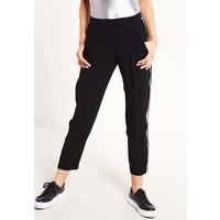 Topshop Spodnie materiałowe black TP721A08H