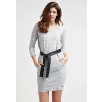 Calvin Klein Jeans RISA Sukienka dzianinowa oatmeal heather C1821C014