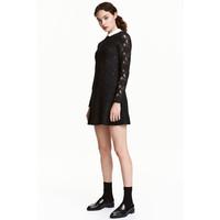 H&M Koronkowa sukienka 0476577001 Czarny