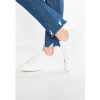 Bronx Sneakersy niskie white BR111A046