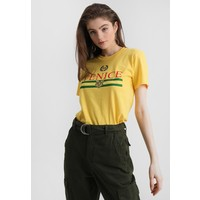 Topshop VENICE TEE T-shirt z nadrukiem yellow TP721D0KU