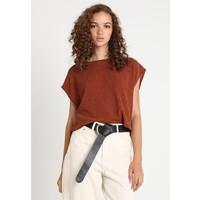 Weekday TENOR T-shirt basic rust orange WEB21E01M