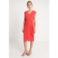 Selected Femme SFIVY V-NECK SLIT DRESS Sukienka z dżerseju high risk red SE521C0EP