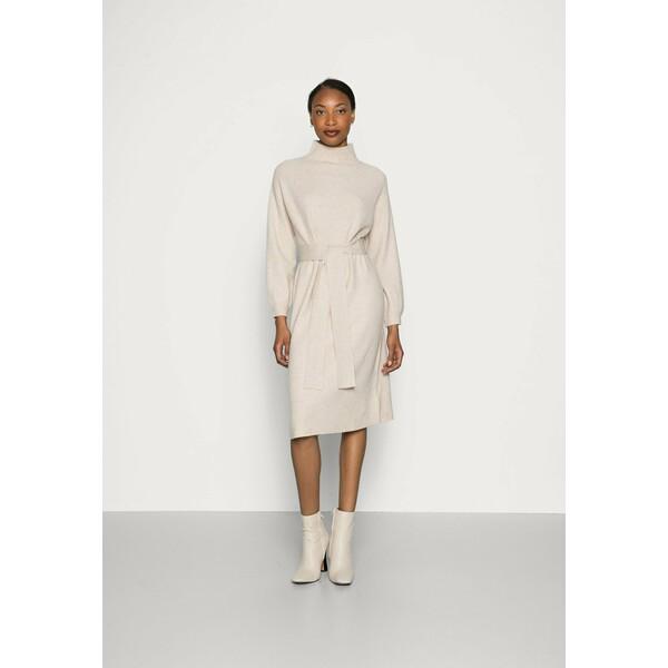 mine to five TOM TAILOR DRESS BELTED Sukienka dzianinowa powder beige melange T0X21C00Z