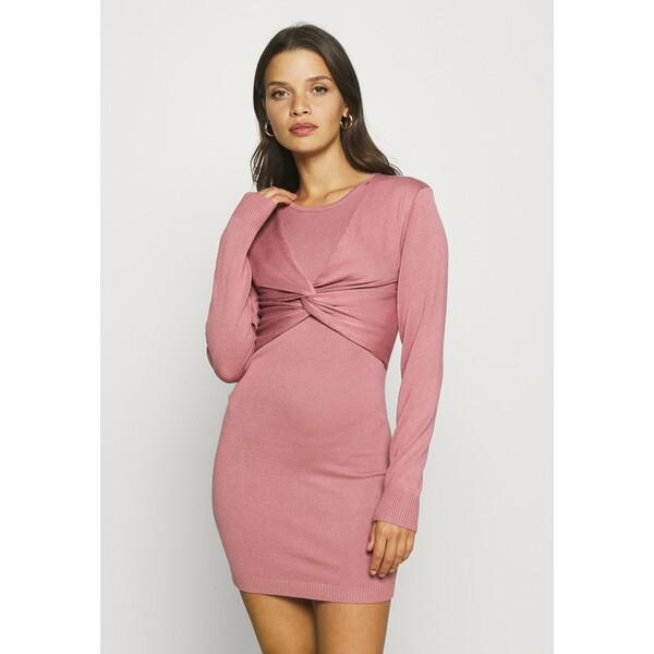 Missguided Petite KNITTED DRESS WITH TWIST DETAIL Sukienka letnia pink M0V21C0M0
